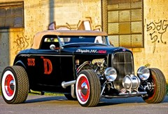 A 1932 Ford D-rod 2 Door Coupe/Convertible Roadster
