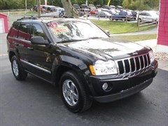 A 2007 Jeep Grand Cherokee LIMITED