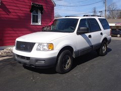 A 2005 Ford Expedition XLS