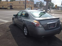 A 2008 Nissan Altima 2.5 Power Seat Loaded Only 114,oookms power seat alloy rims
