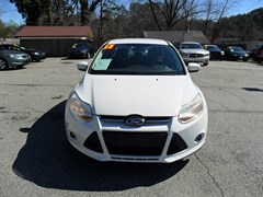 A 2012 Ford Focus SE