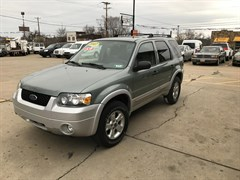 A 2007 Ford Escape XLT