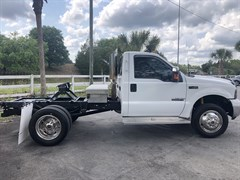 A 1999 Ford F450 Superduty