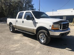 A 2000 Ford F250 SUPER DUTY