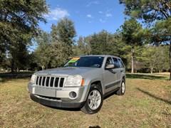 A 2006 Jeep Grand Cherokee LAREDO