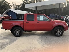 A 2004 Nissan Frontier CREW CAB XE V6