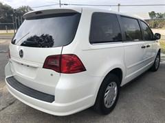 Used 2010 Volkswagen Routan S