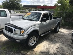 A 2002 Toyota Tacoma XTRACAB PRERUNNER