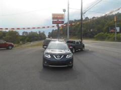 A 2015 Nissan Rogue S