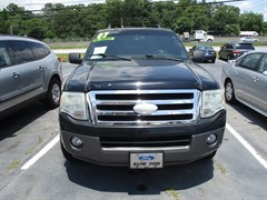 A 2007 Ford Expedition XLT