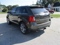 A 2011 Ford Edge LIMITED
