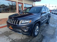 A 2016 Jeep Grand Cherokee LIMITED