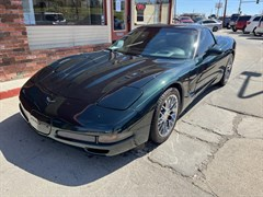 A 2000 Chevrolet Corvette BASE