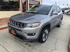 A 2019 Jeep Compass LIMITED